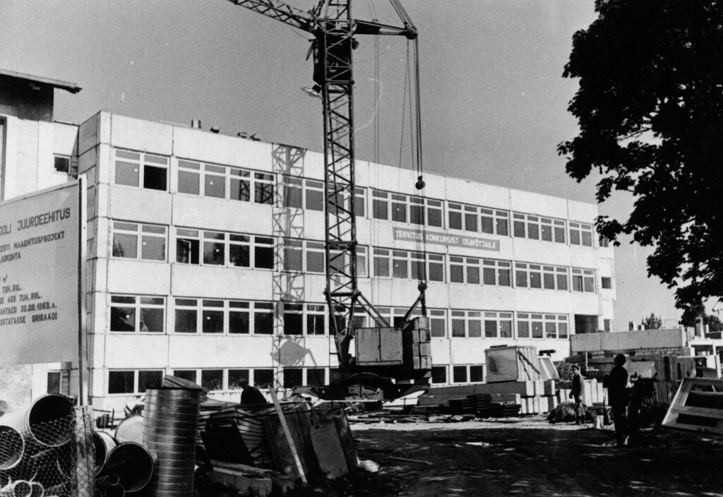 1983 – Kooli juurdeehitus